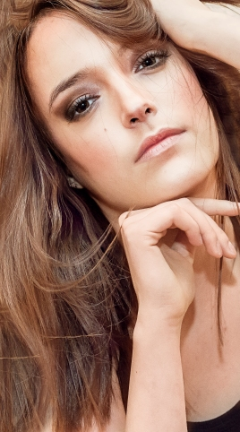 Model: Ana Karmos